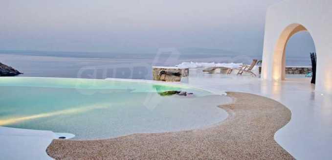 Разкошна вила на морски залив, остров Миконос 14