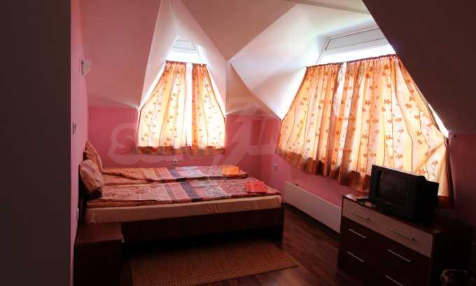 Двустаен апартамент в Банско 2