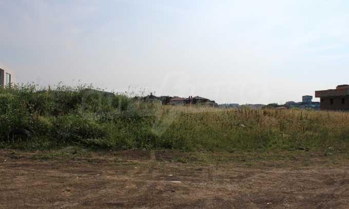 Регулиран парцел във вилна зона до курорта Лозенец 6