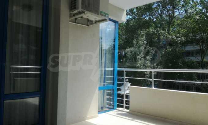 Страхотен тристаен апартамент в Слънчев бряг 4