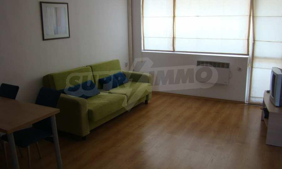 Тристаен апартамент в комплекс от затворен тип, Видинско 4