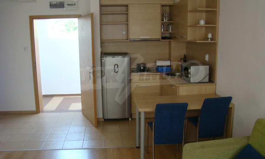 Тристаен апартамент в комплекс от затворен тип, Видинско 5