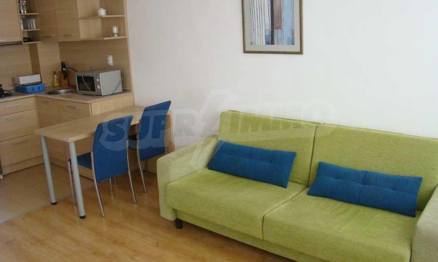 Тристаен апартамент в комплекс от затворен тип, Видинско 6
