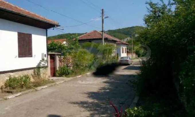 Чудесна едноетажна къща с в село до язовир  29