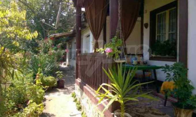 Чудесна едноетажна къща с в село до язовир  32