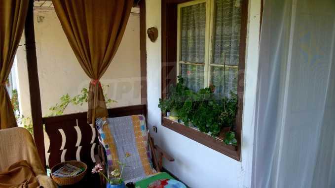 Чудесна едноетажна къща с в село до язовир  5