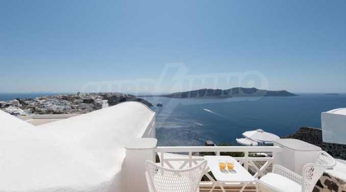 Романтична вила с приказни пейзажни на остров Санторини