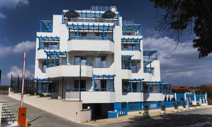 Стилен жилищен комплекс в непосредствена близост до плажа в Лозенец 2