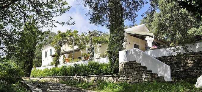 Wunderschöne Sommervilla mit Infinity-Schwimmbad in Kokokilas auf nordöstlichem Korfu 1