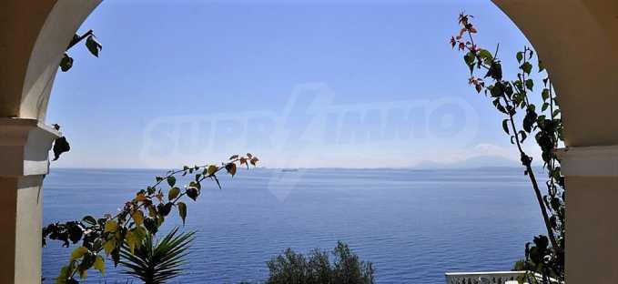 Traum-Villa mit Schwimmbad und atemberaubender Meeraussicht 5