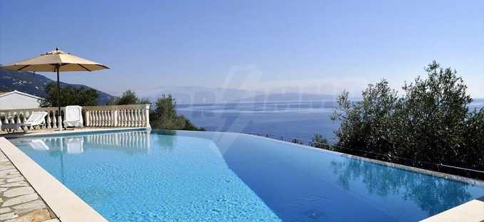 Traum-Villa mit Schwimmbad und atemberaubender Meeraussicht 6