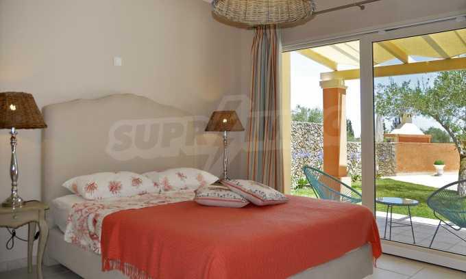 Attraktive Villa mit Schwimmbad in Guwia 8