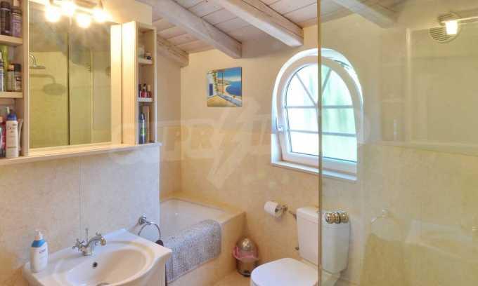 Erstklassige Villa mit einer wunderschönen Meeraussicht  12