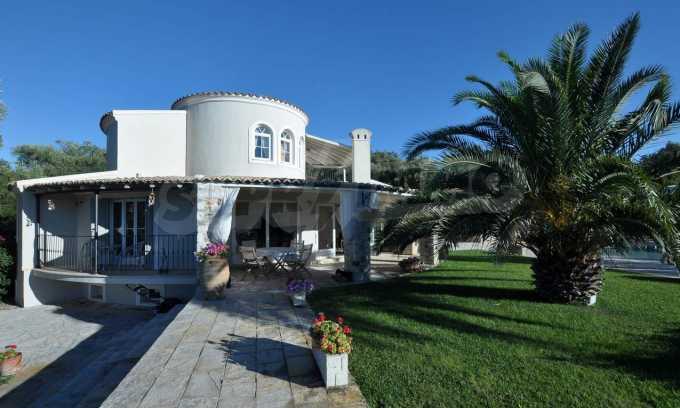 Erstklassige Villa mit einer wunderschönen Meeraussicht  18