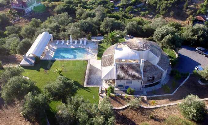Erstklassige Villa mit einer wunderschönen Meeraussicht  20