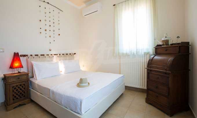 Moderne Villa mit einer künstlerischen Dekoration für die Liebhaber von Ruhe 14