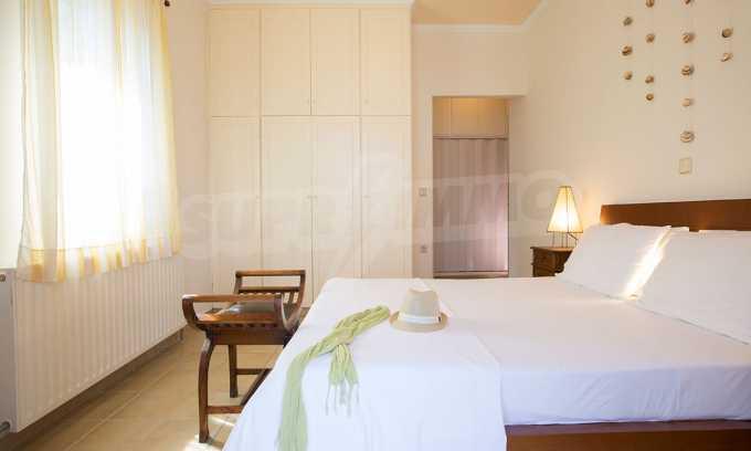 Moderne Villa mit einer künstlerischen Dekoration für die Liebhaber von Ruhe 17
