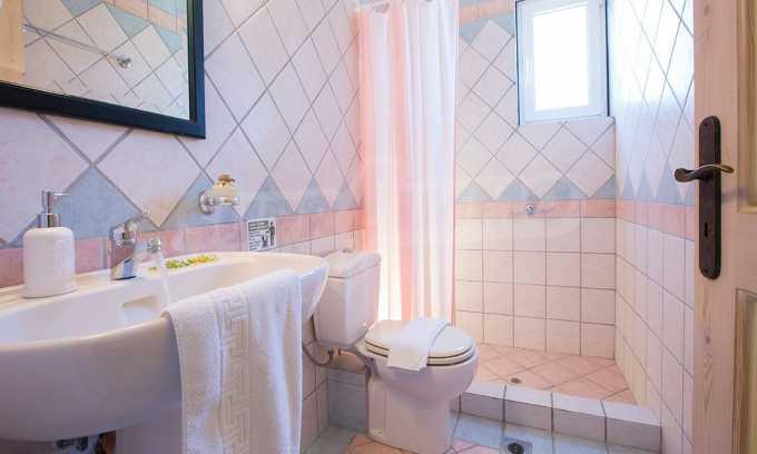 Moderne Villa mit einer künstlerischen Dekoration für die Liebhaber von Ruhe 22