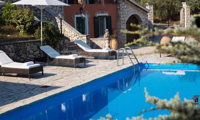 Moderne Villa mit einer künstlerischen Dekoration für die Liebhaber von Ruhe 28