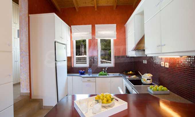 Moderne Villa mit einer künstlerischen Dekoration für die Liebhaber von Ruhe 7