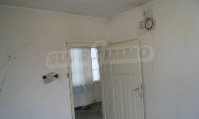 Къща за продажба близо до Кюстендил 27