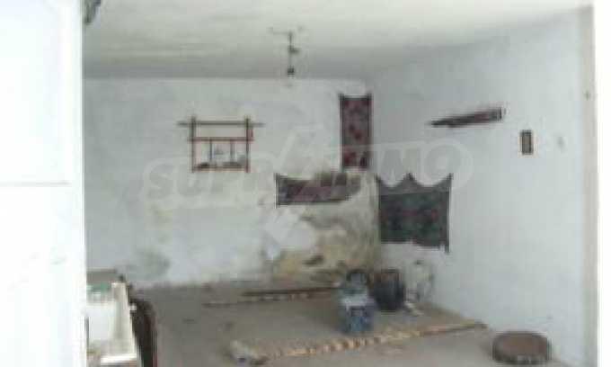 Къща за продажба близо до Кюстендил 31