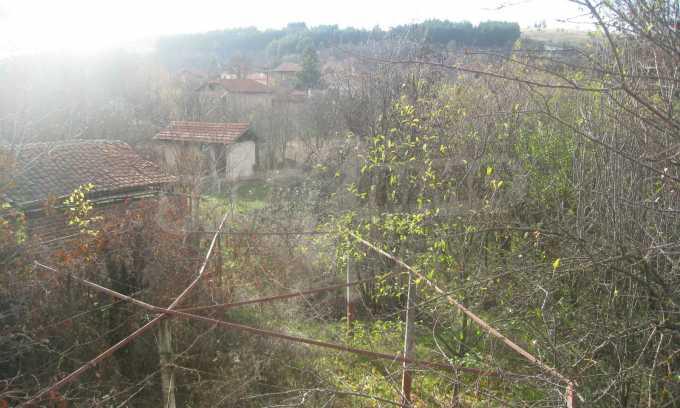 Къща за продажба близо до Кюстендил 36