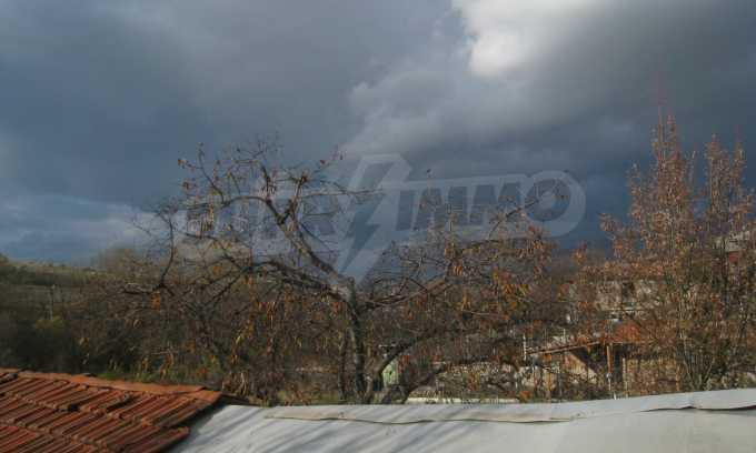 Къща за продажба близо до Кюстендил 37