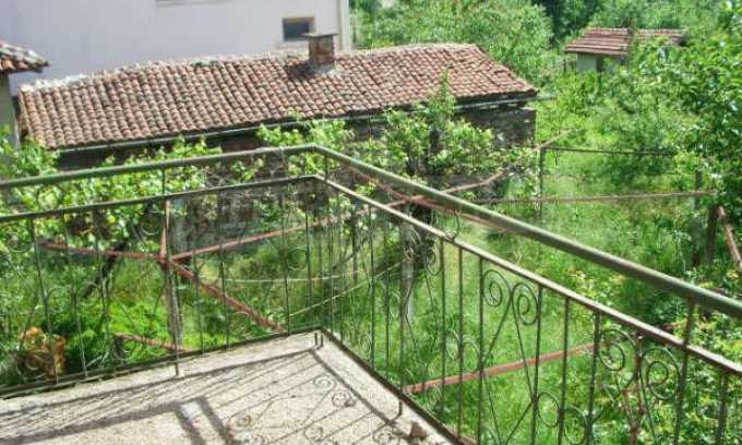 Къща за продажба близо до Кюстендил 40