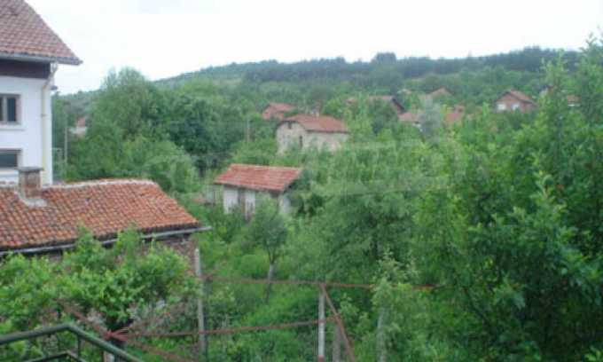 Къща за продажба близо до Кюстендил 41