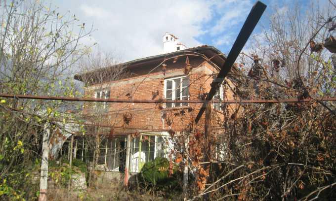Къща за продажба близо до Кюстендил 43