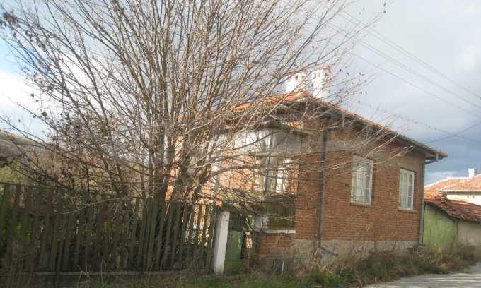 Къща за продажба близо до Кюстендил 48