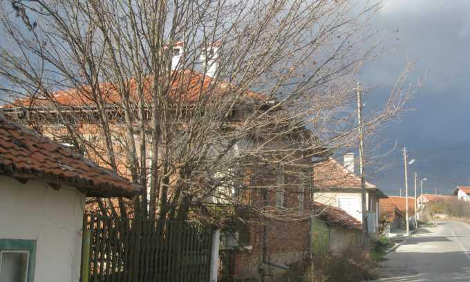 Къща за продажба близо до Кюстендил 49