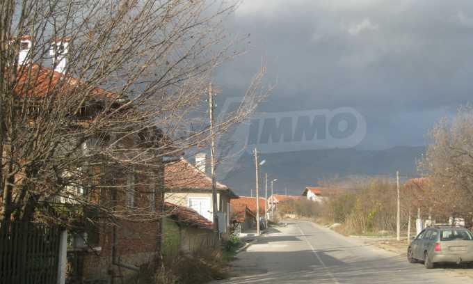 Къща за продажба близо до Кюстендил 51