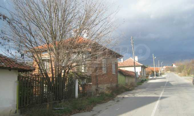 Къща за продажба близо до Кюстендил 52