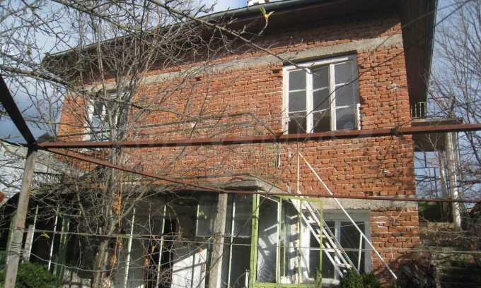 Къща за продажба близо до Кюстендил 6