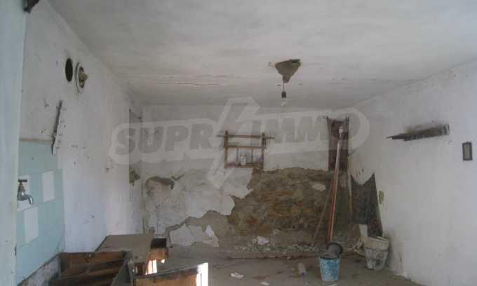 Къща за продажба близо до Кюстендил 8