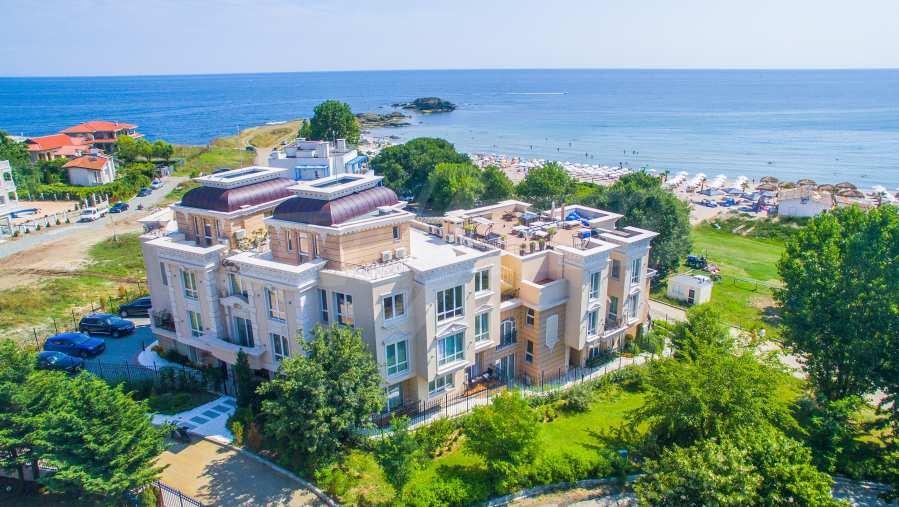 Луксозни апартаменти в бутиковата морска резиденция Belle Époque, на първа линия, до плажа в Лозенец