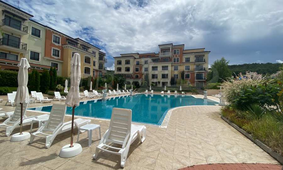 Lily Beach - splendid, built in Italian style complex near Kavatsi beach (Sozopol)