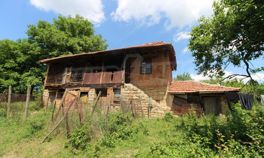 40 km von Veliko Tarnovo entferntes zweistöckiges Haus 1