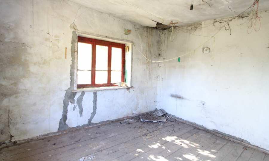 Zweistöckiges Haus im Dorf Obidim zu verkaufen 7
