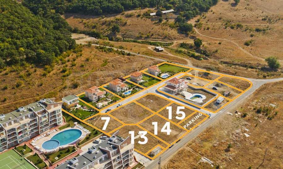 Регулирани парцели с инфраструктура, част от луксозно вилно селище SUNSET VILLAS
