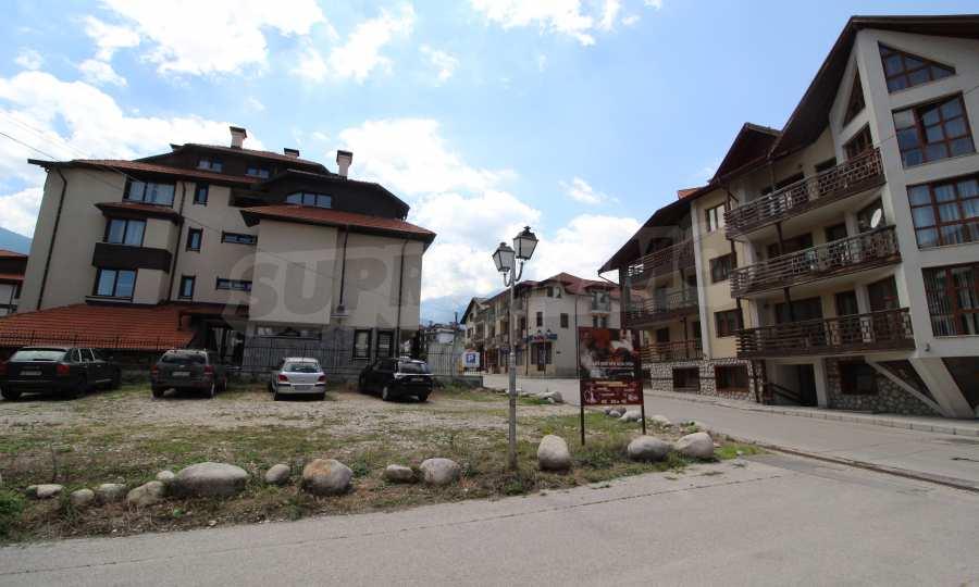 Регулиран парцел за строителство в отличен квартал, недалеч от Кабинковия лифт и ул. Пирин