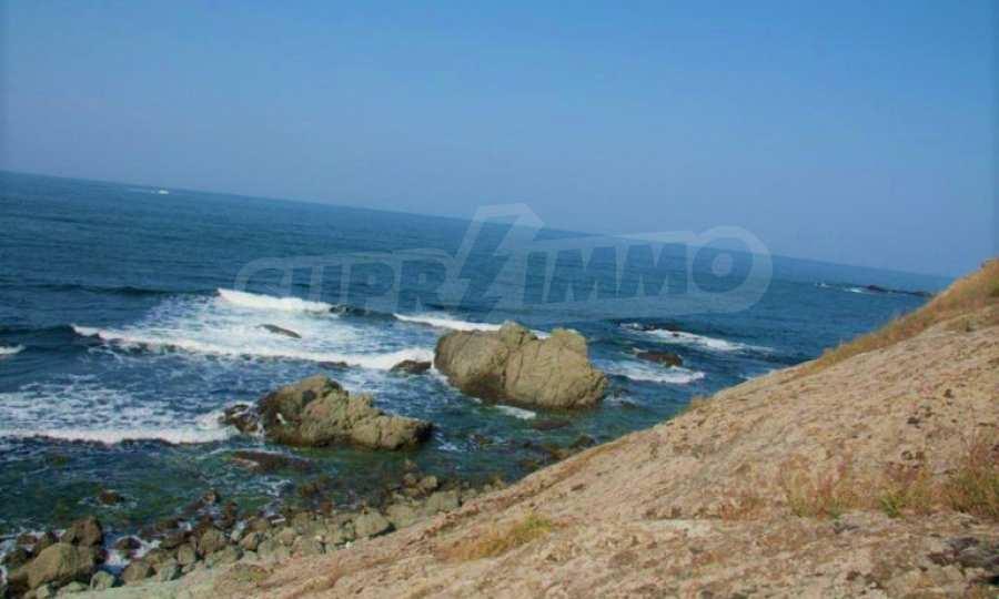 Парцел на морския бряг