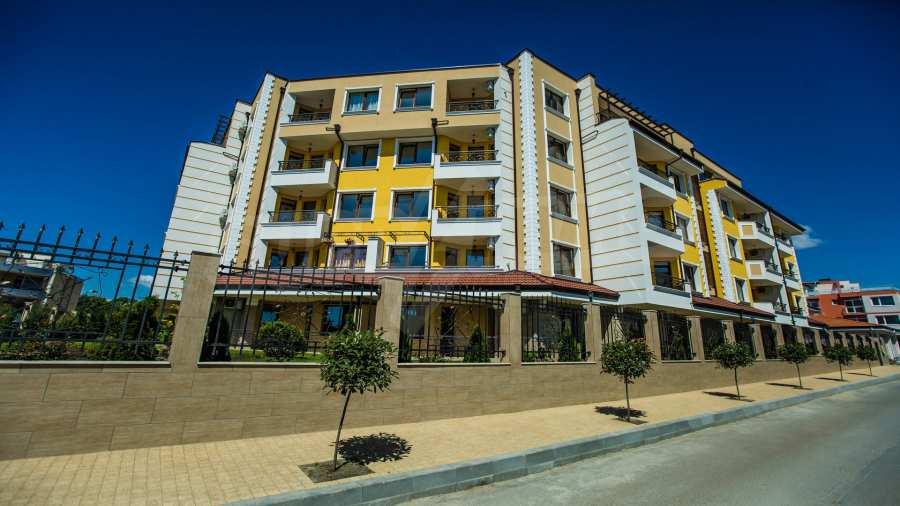 Apartments im Komplex Emilia Romana im Dorf Rawda