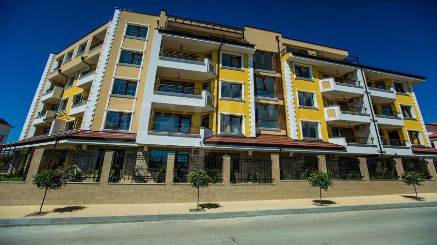 Apartments im Komplex Emilia Romana im Dorf Rawda 1