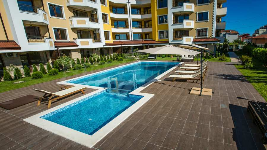 Apartments im Komplex Emilia Romana im Dorf Rawda 21