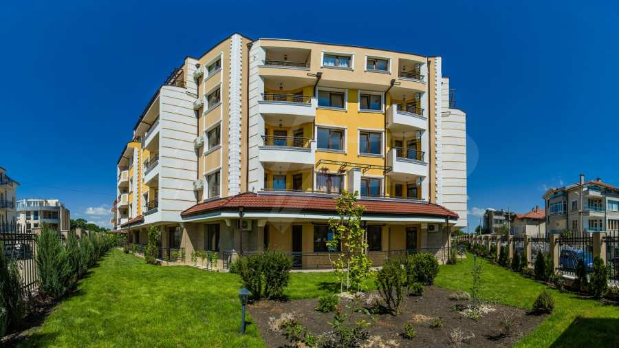 Apartments im Komplex Emilia Romana im Dorf Rawda 25