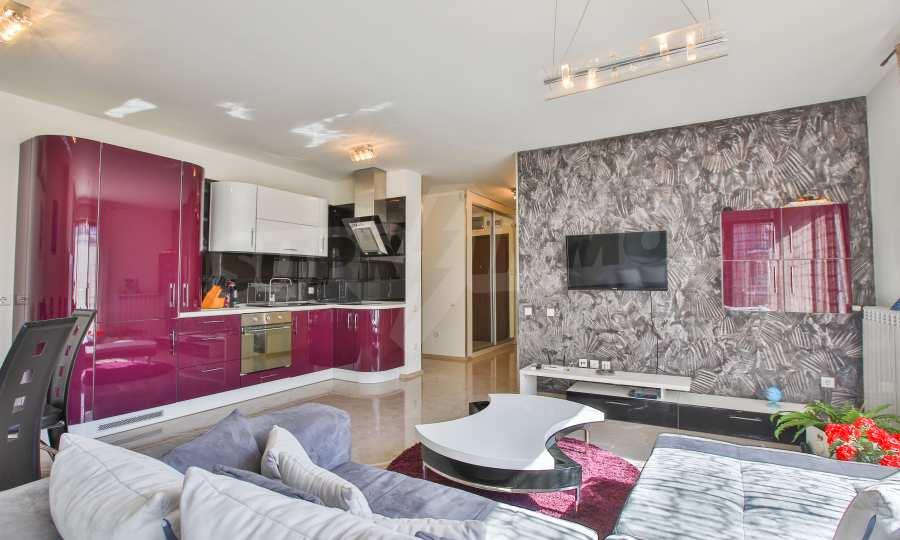 3-Raum-Apartment im geschlossenen Komplex Flora Park