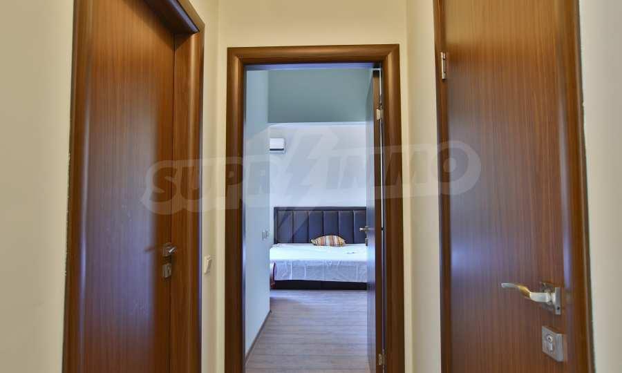 3-Raum-Apartment im geschlossenen Komplex Flora Park 11